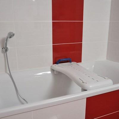Planche de bain pour douche senior