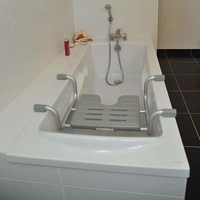 Siège de bain suspendu pour seniors Cap Vert