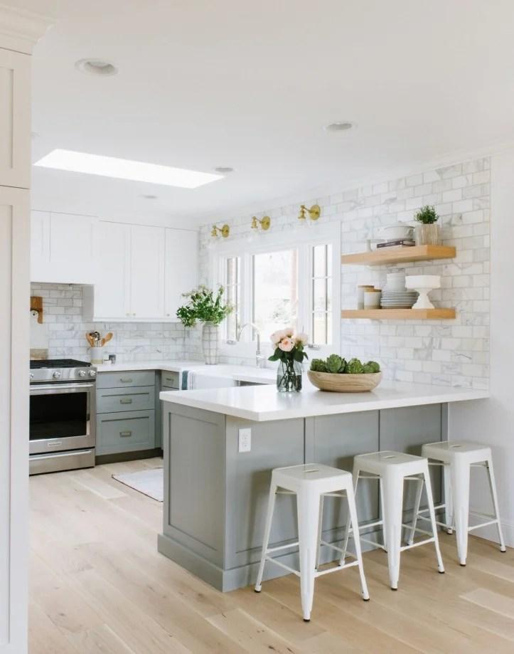 7 polished kitchen peninsula ideas to