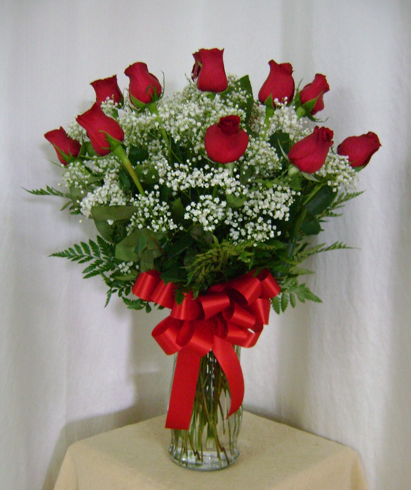 Classic Red Rose Vase Long Stems Flowers Boutique
