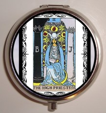 the-high-priestess-pill-case-done