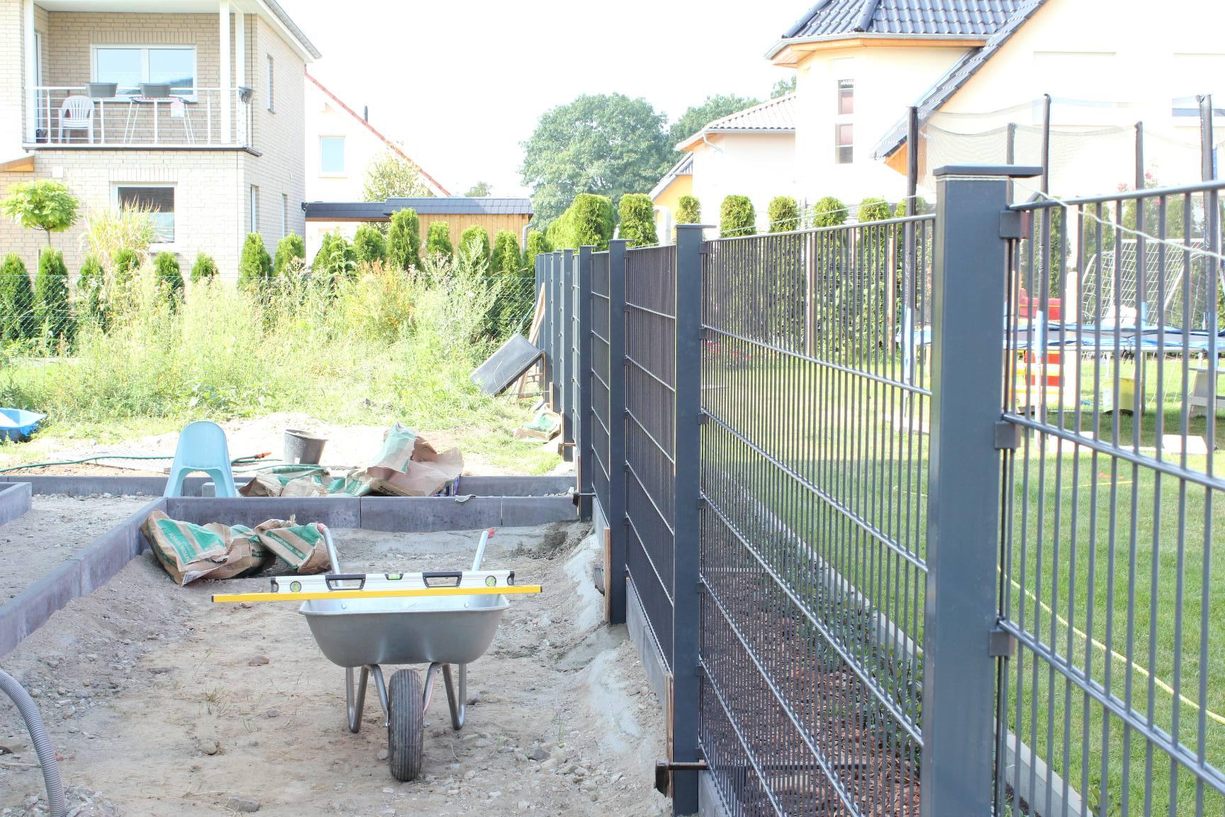 Zaun Geliefert Und Aufgebaut