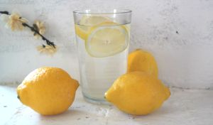 Health Benefits of Drinking Lemon Water Daily