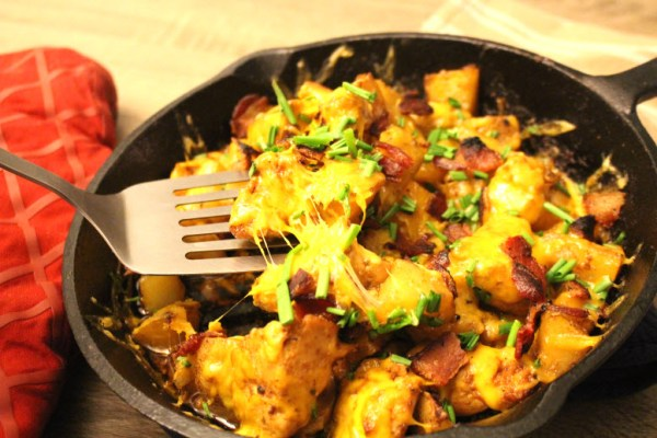 Cheesy chicken potato skins dinner