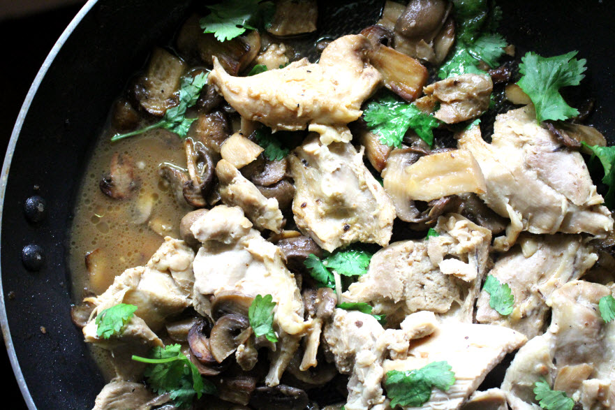 Chicken with Mushrooms in White Wine Sauce Recipe