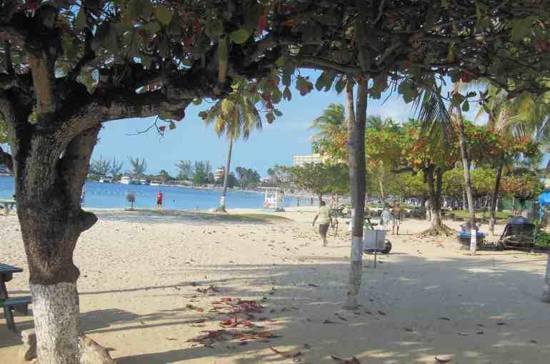Ocho Rios Bay Beach – Saint Ann