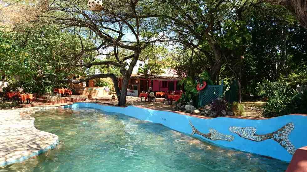 Salt Water Swimming Pool - Jakes Hotel