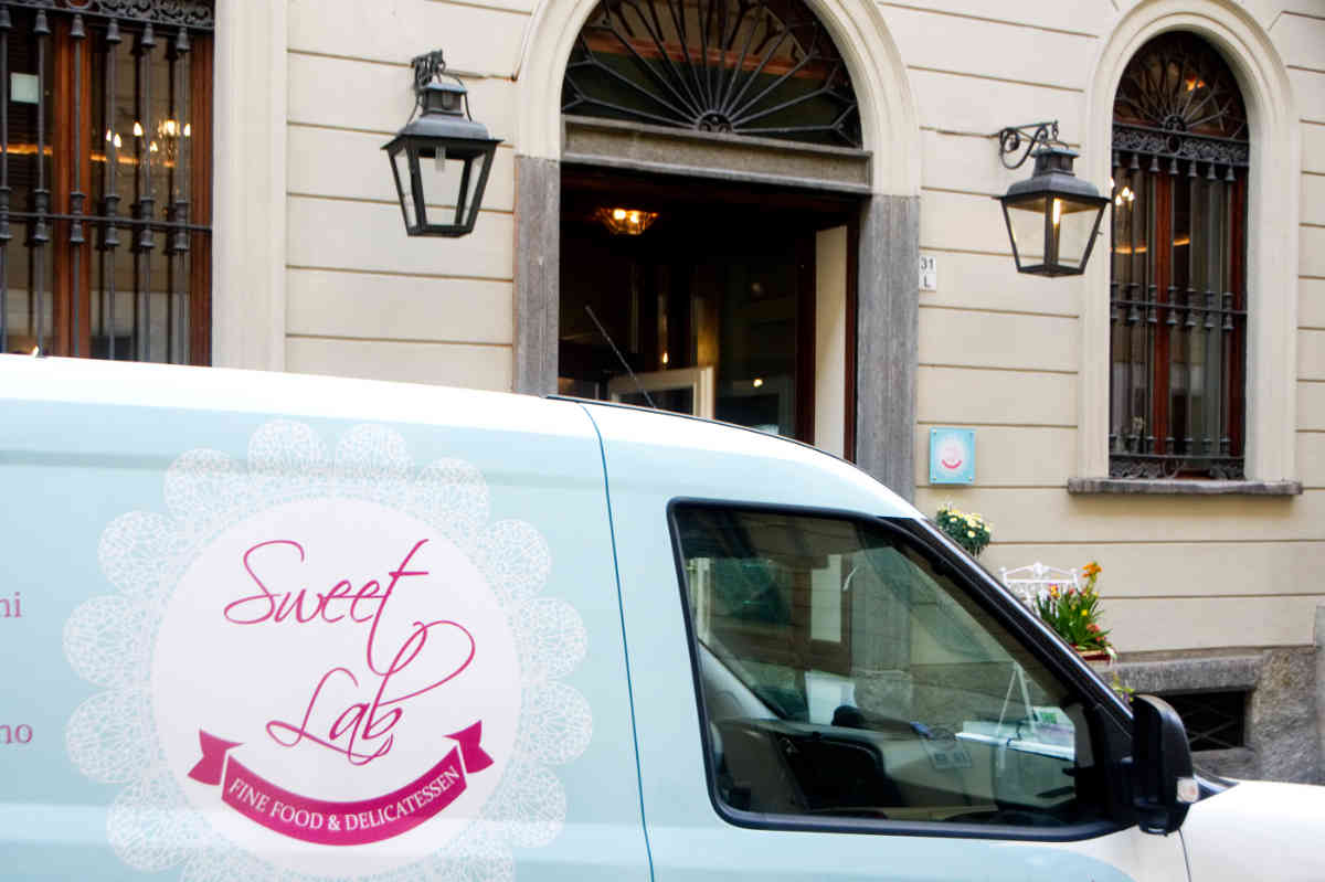 Sweet-Lab-Torino-chatering