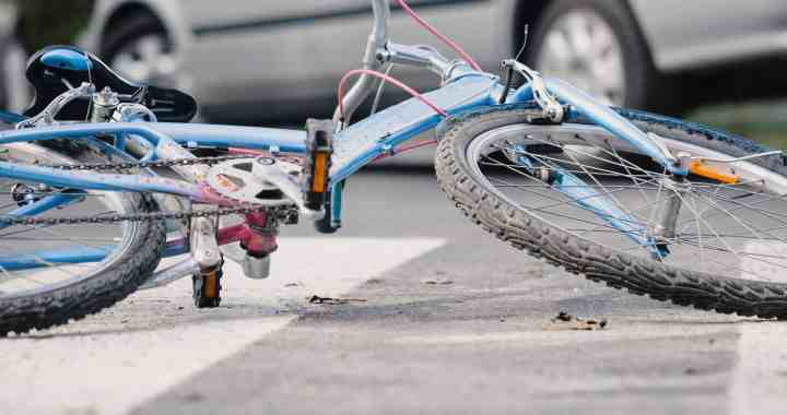 1 Hospitalized after Car and Bicycle Collision on Flagg Drive and Grove Street [Reno, NV]