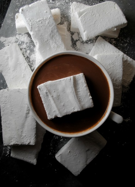 Homemade marshmallows from sweetlifebake.com