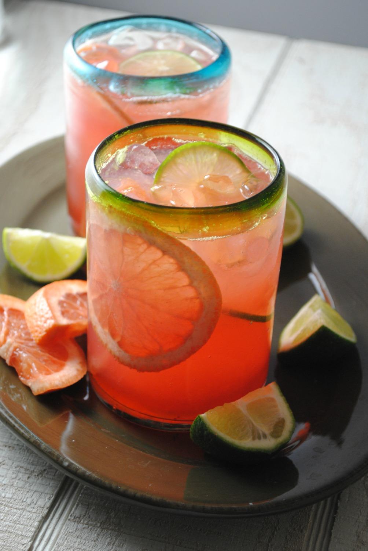 grapefruit-cranberry-tequila-cooler-VianneyRodriguez