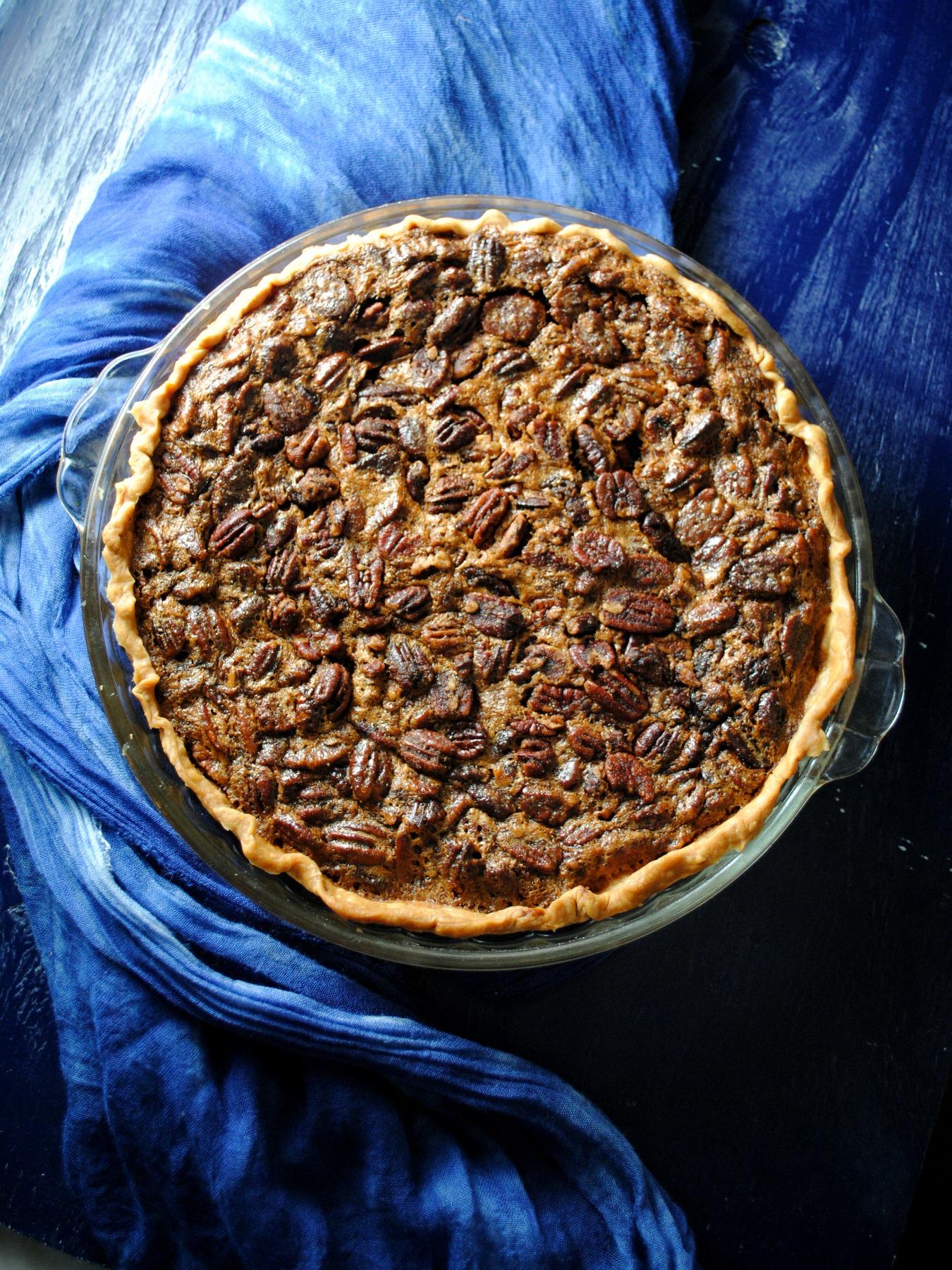 cinnamon-sugar-pecan-pie-VianneyRodriguez