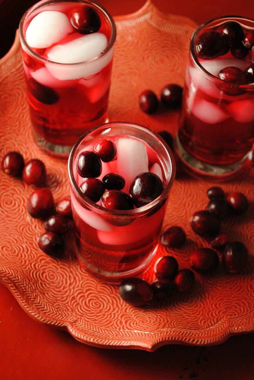 sparkling-cranberry-tea-cocktail-VianneyRodriguez-sweetlifebake