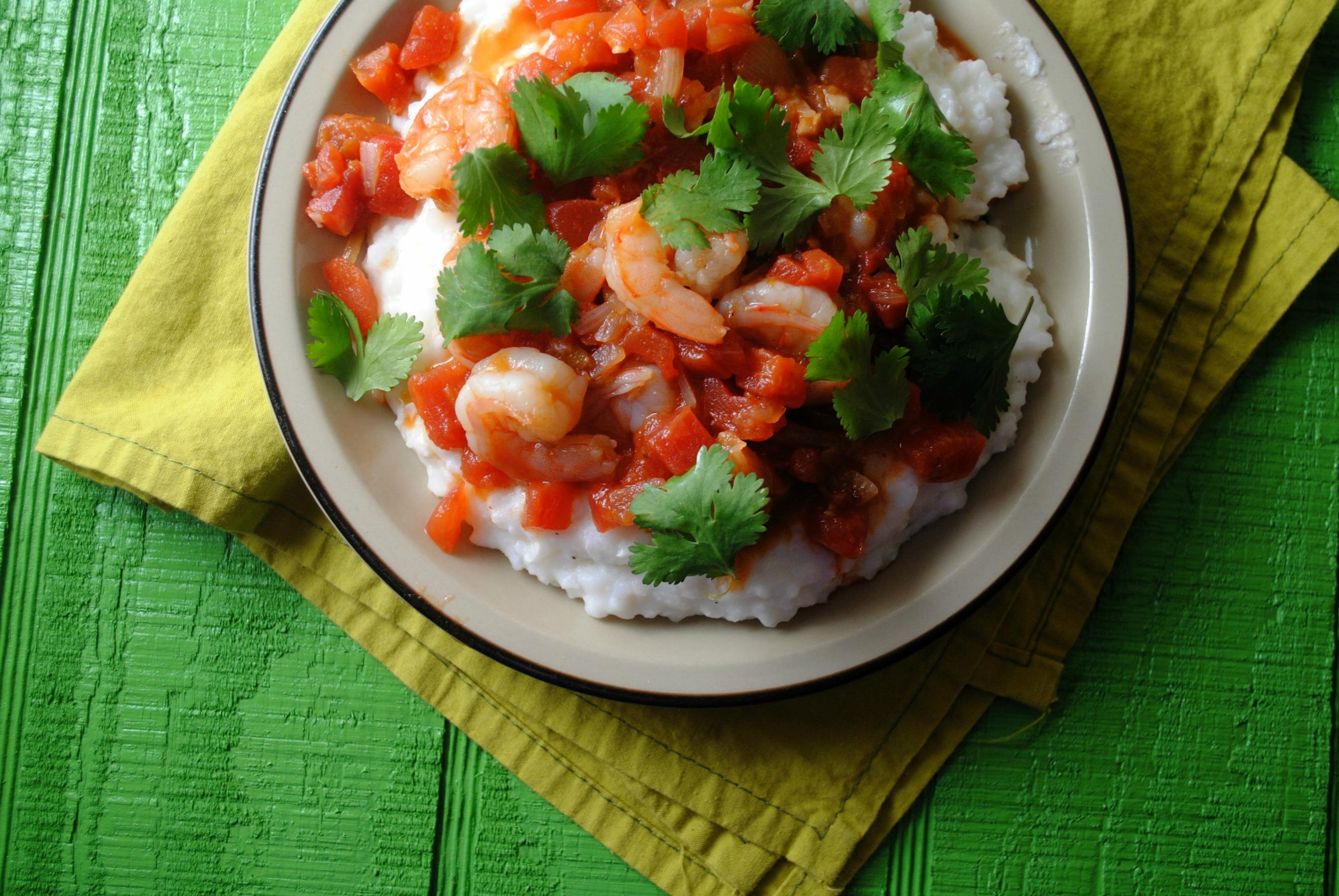spicy-shrimp-hominy-puree-grits-VianneyRodriguez-sweetlifebake