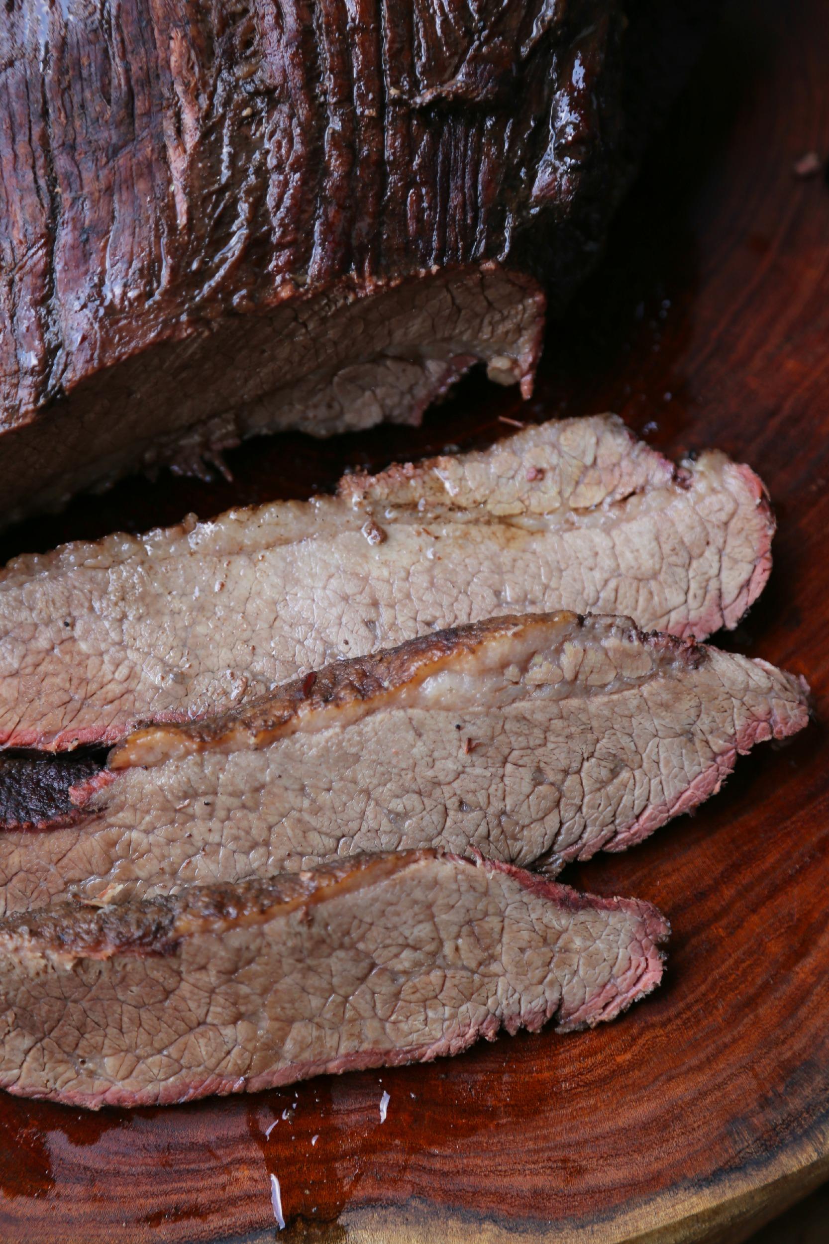 smoked-brisket-marindae-pomegranante-vianneyrodriguez-sweetlifebake