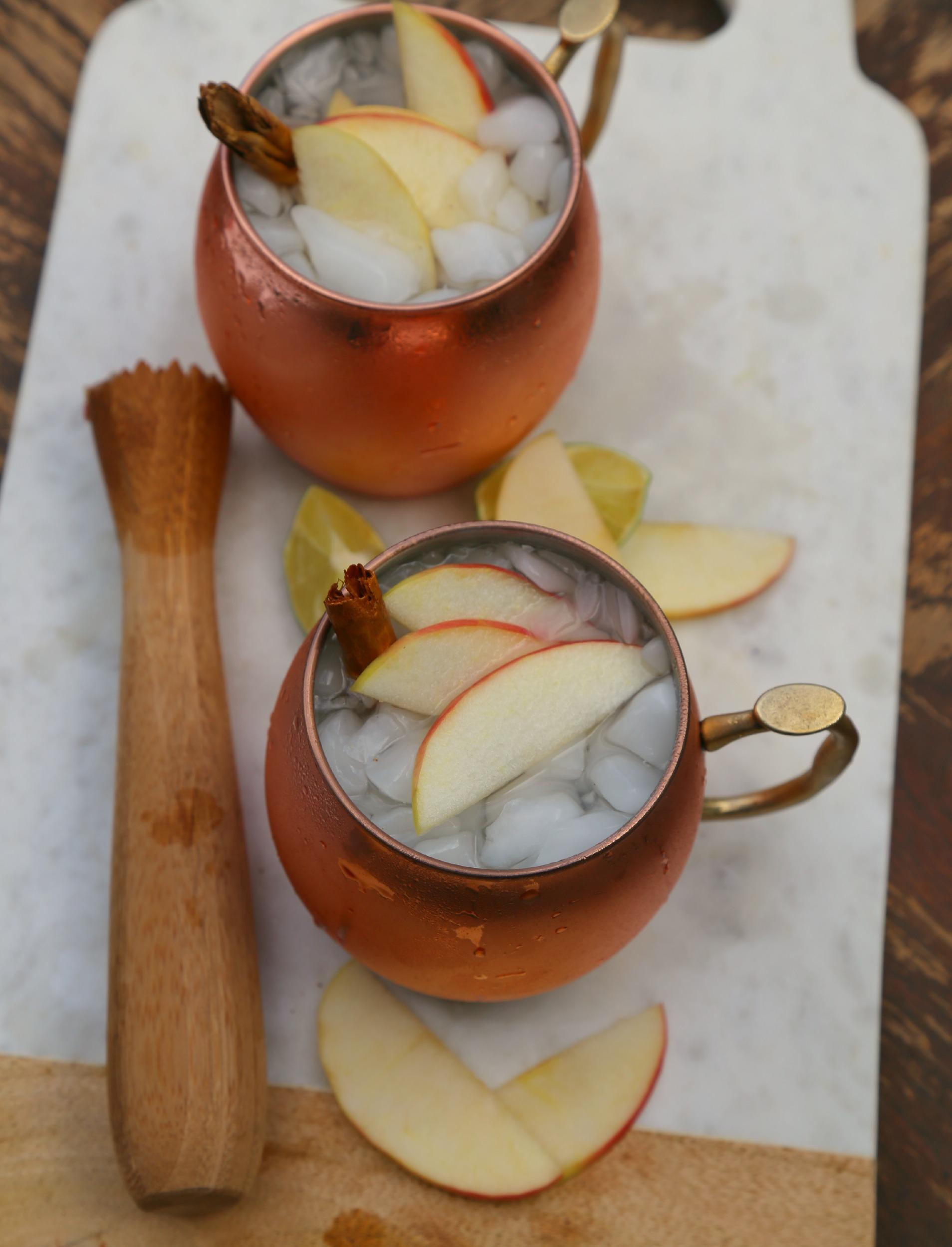 apple-moscow-mule-cocktail-vianneyrodriguez-sweetlifebake