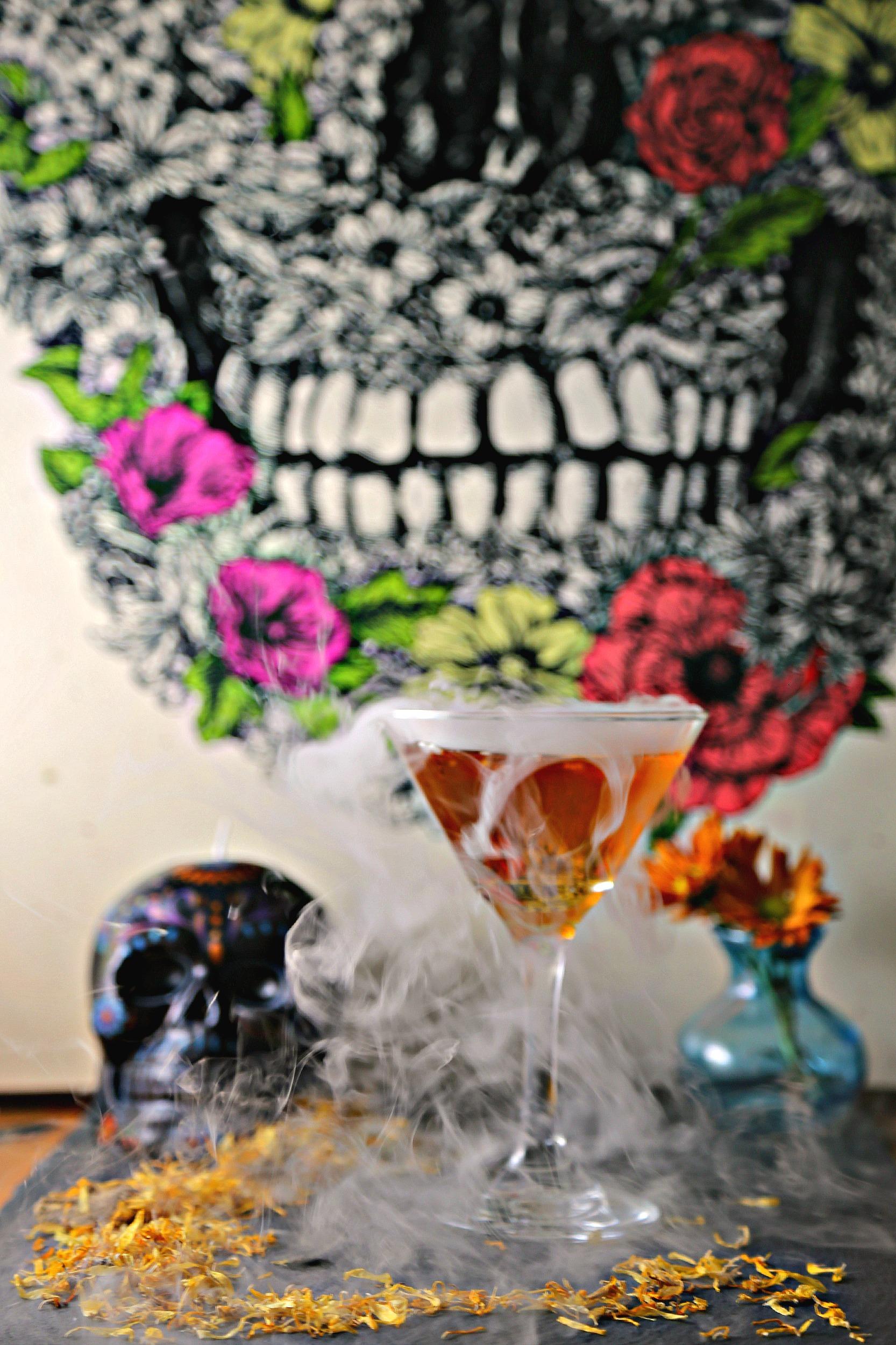 dia-de-los-muertos-martini-marigold-martini-dayofthedead-cocktail-vianneyrodriguez-sweetlifebake