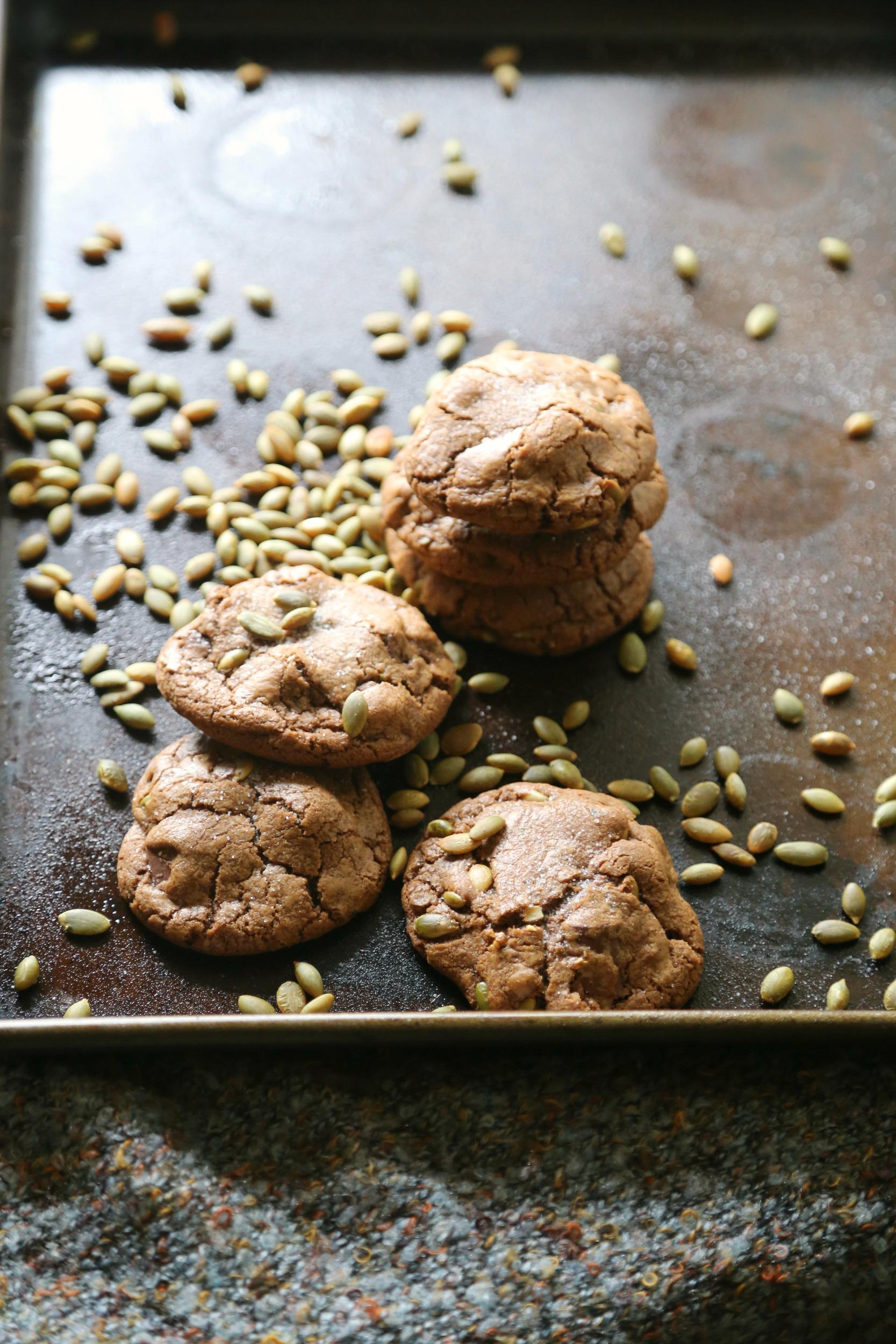 Chocolate-Pumpkin-Seed-Cookies-pepita-vianneyrodiguez-sweetlifebake