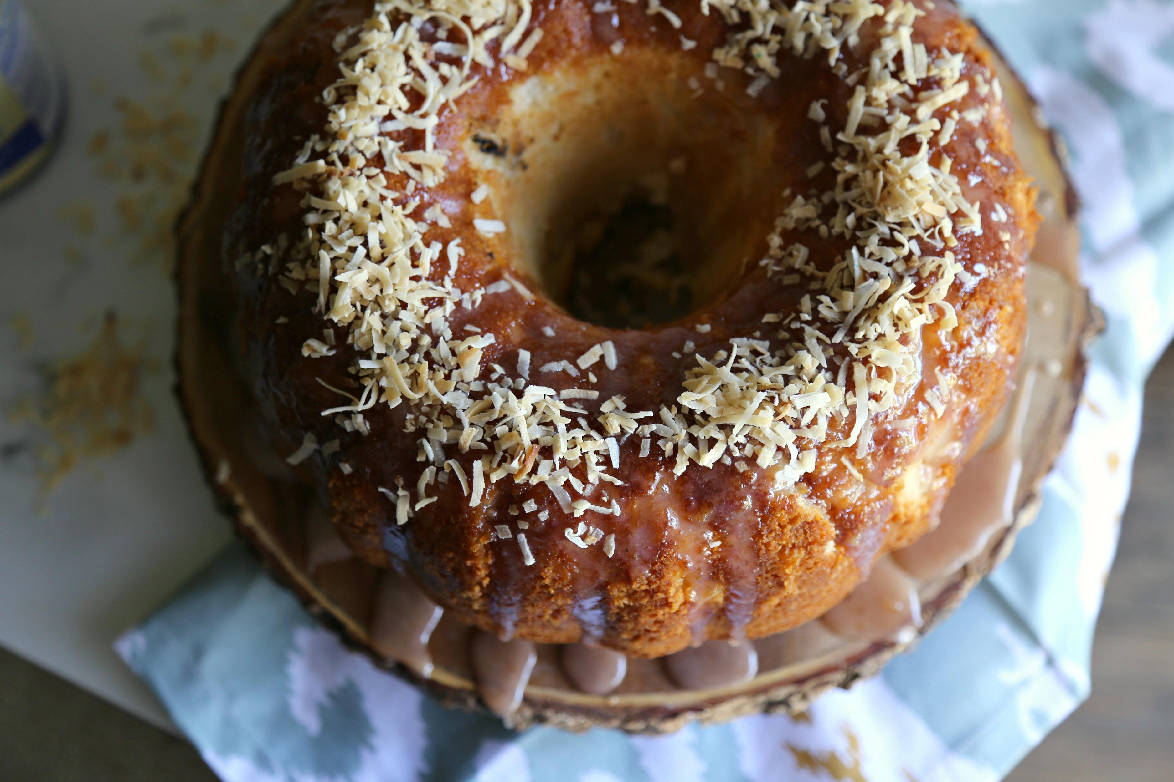 coconut-bundt-cake-hibiscus-glaze-vianneyrodriguez-sweetlifebake