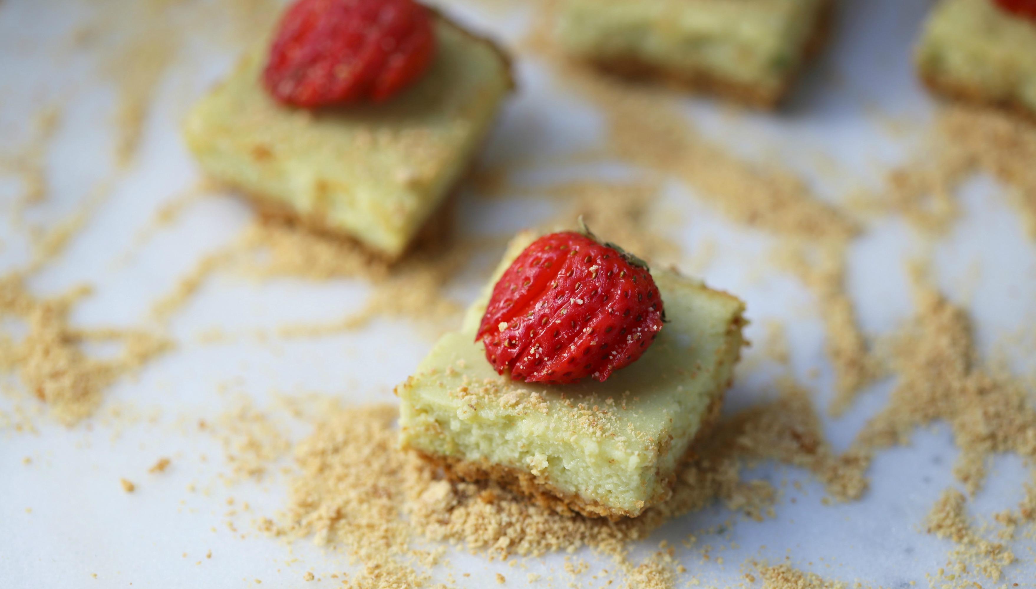 avocado-cheesecake-bar-recipe-vianneyrodriguez-sweetlifebake