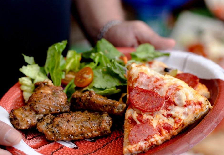 Host Your Own Pizza Bar This Football Season