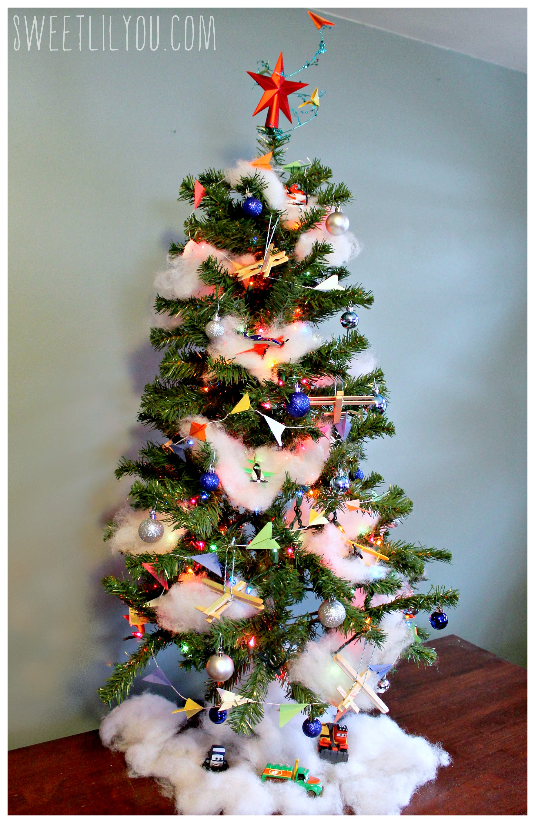 Disney planes themed christmas tree planestotherescue