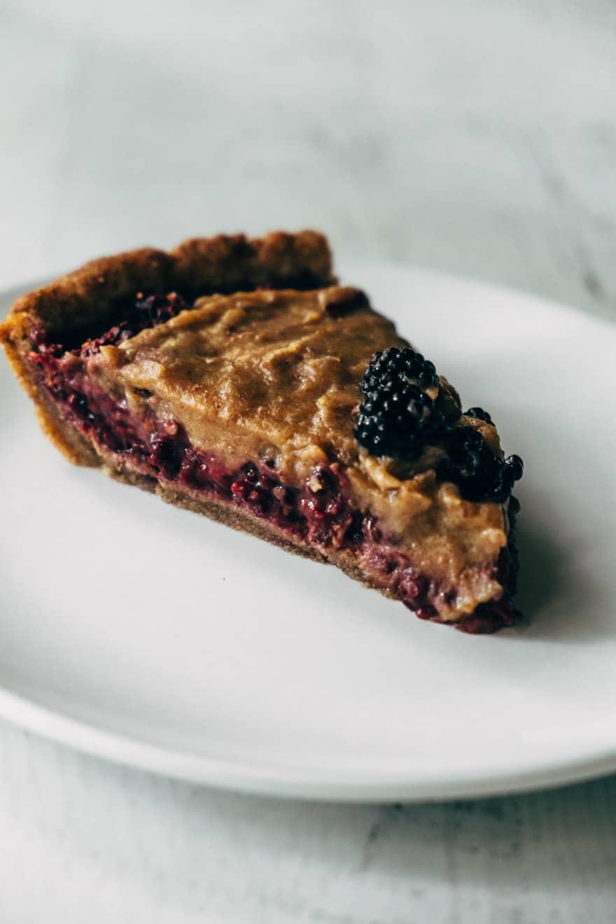 blackberry caramel pie #paleo #vegan #glutenfree