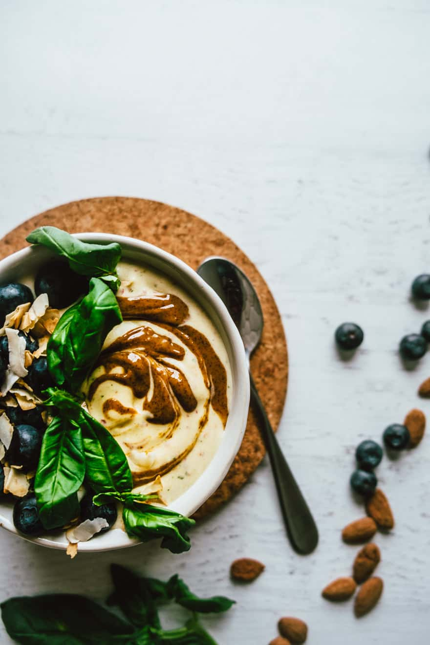 Peach Almond Basil Smoothie bowl #healthy #smoothie #paleo