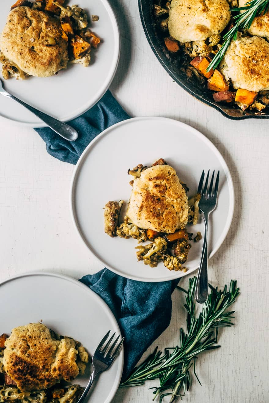 paleo and vegan cauliflower cobbler