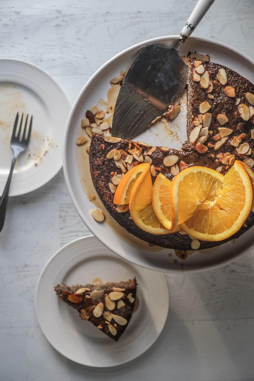honey almond poppy seed cake #paleo #glutenfree #grainfree
