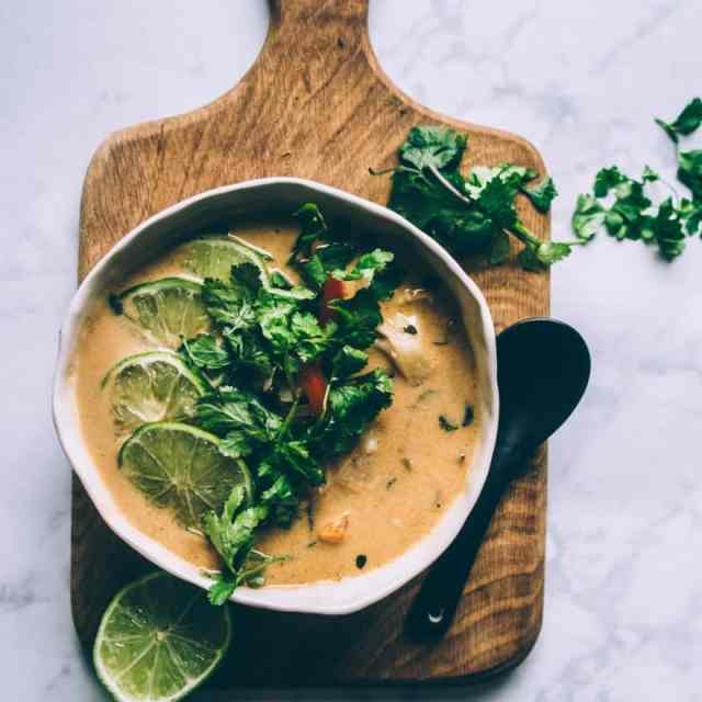 Thai Coconut Cauliflower Soup (Vegan, Paleo, Whole30)
