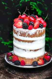 Recette facile du naked cake facile aux fruits rouges