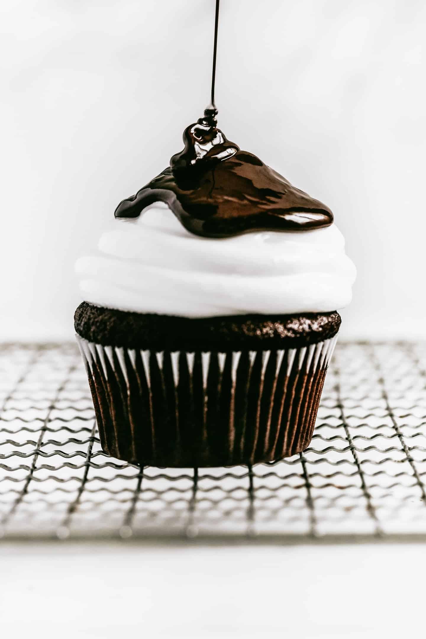 Cupcakes chocolat et glaçage marshmallow