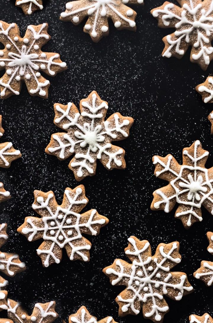 Biscuits flocons de neige au glaçage royal