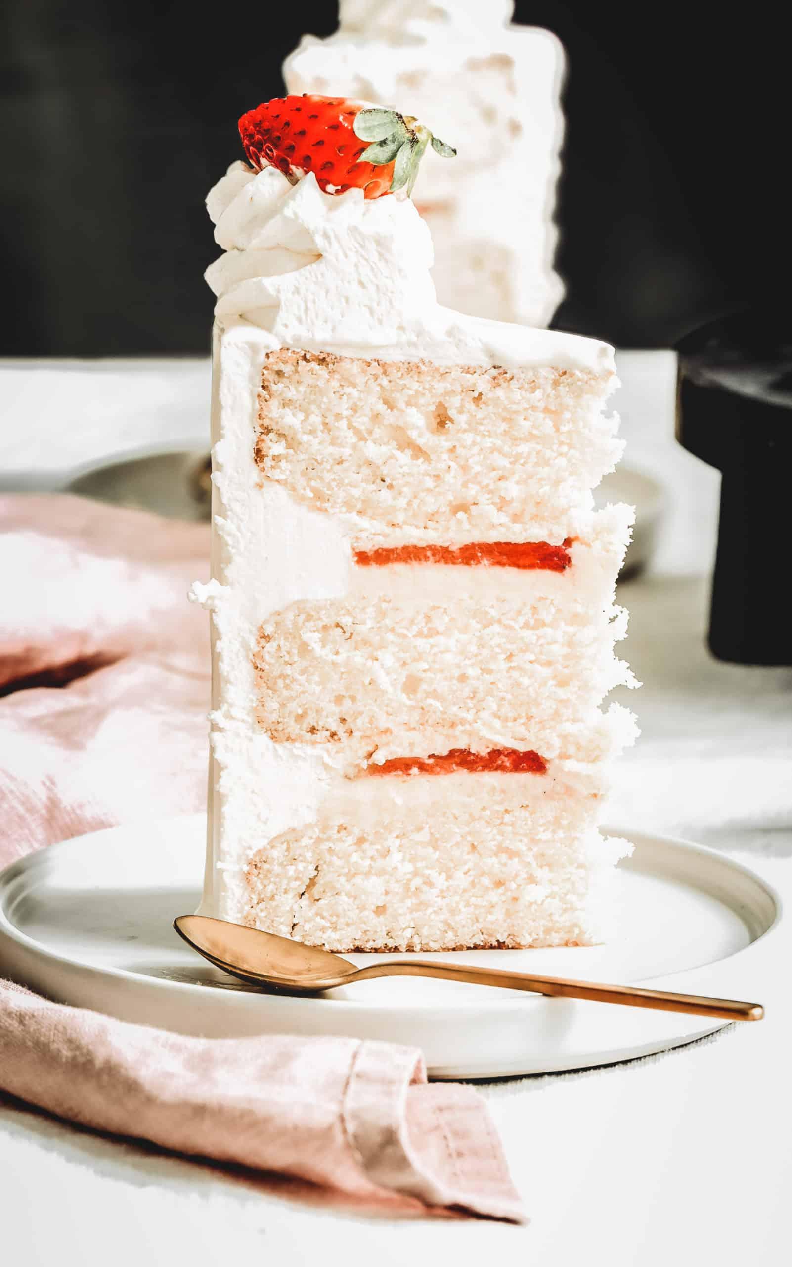 Layer cake aux fraises façon fraisier