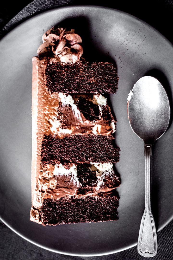 Découpe layer cake gourmand au chocolat