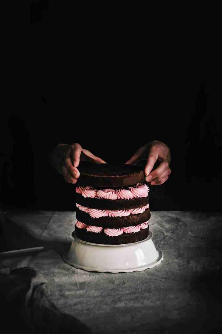 Chocolate naked cake recipe