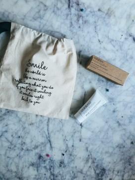 Tandpasta die je tanden natuurlijk witter maakt| Oolaboo