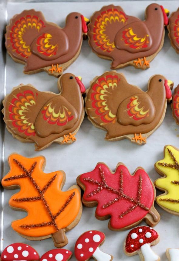 Gingerbread Men Cookies As Decorations Via Www Tarfootbaker Com