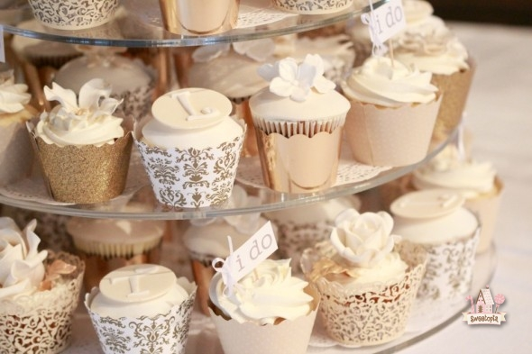 Cupcakes Look Wedding Gown