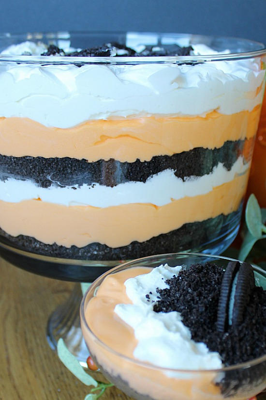 Harvest Dirt Trifle in bowl and cup.