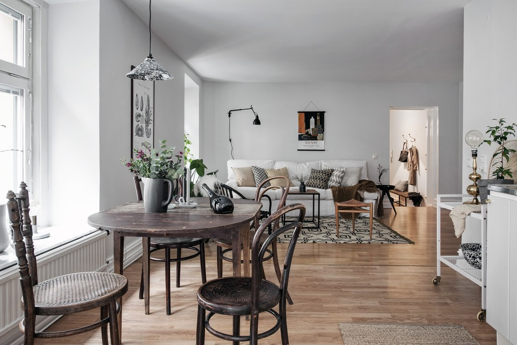 Swedish dining/living room