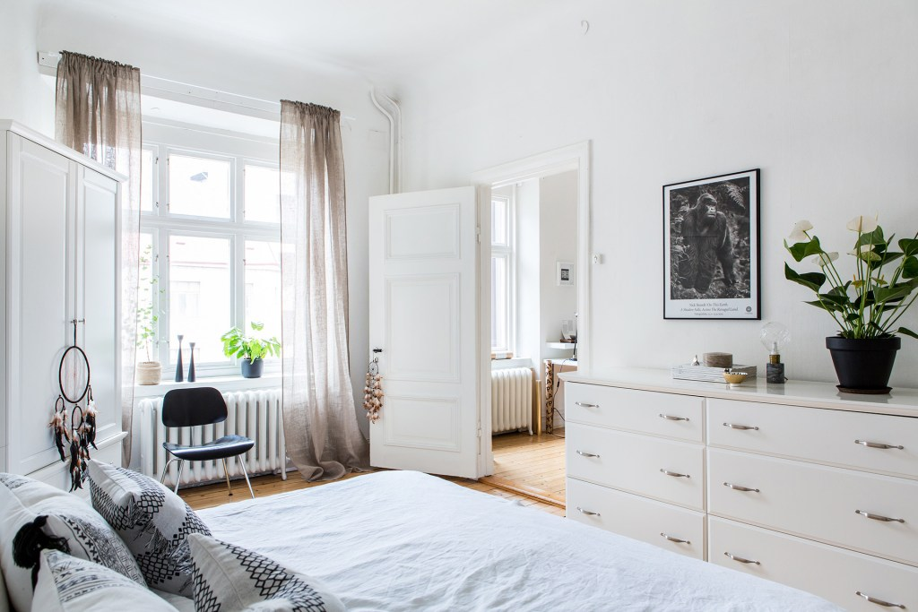Swedish-bedroom
