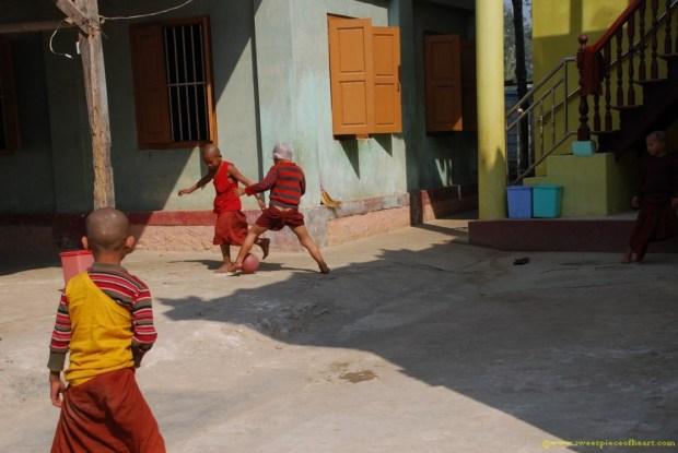 bouddhistes-football