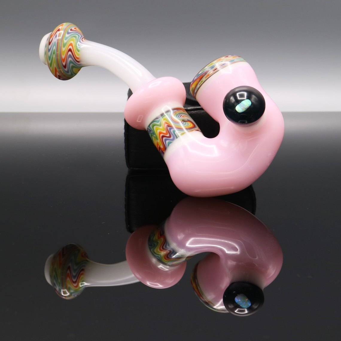 Chappell Glass – White and Pink Sherlock