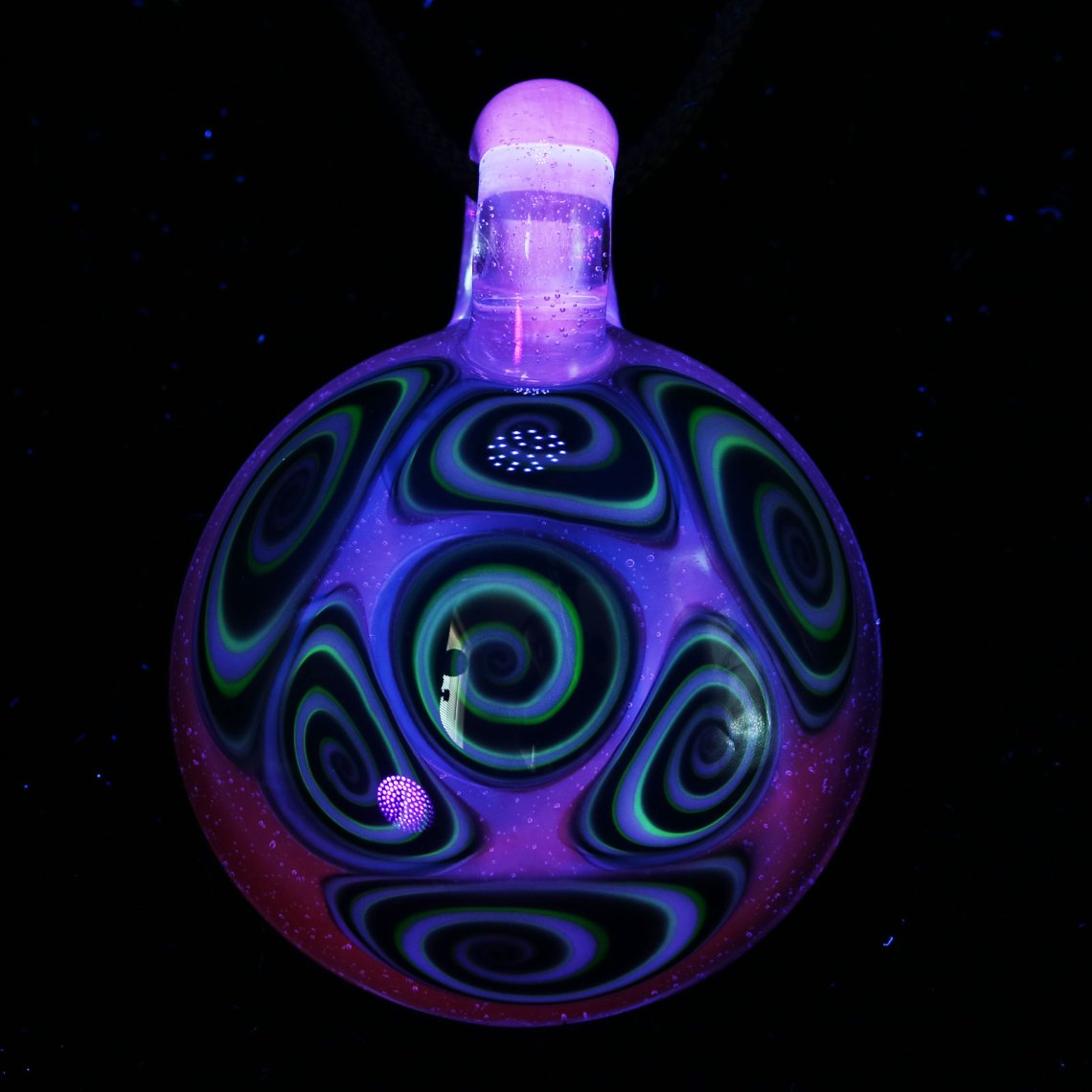 Kaja Glass – 7 Section UV Microspiral Pendant