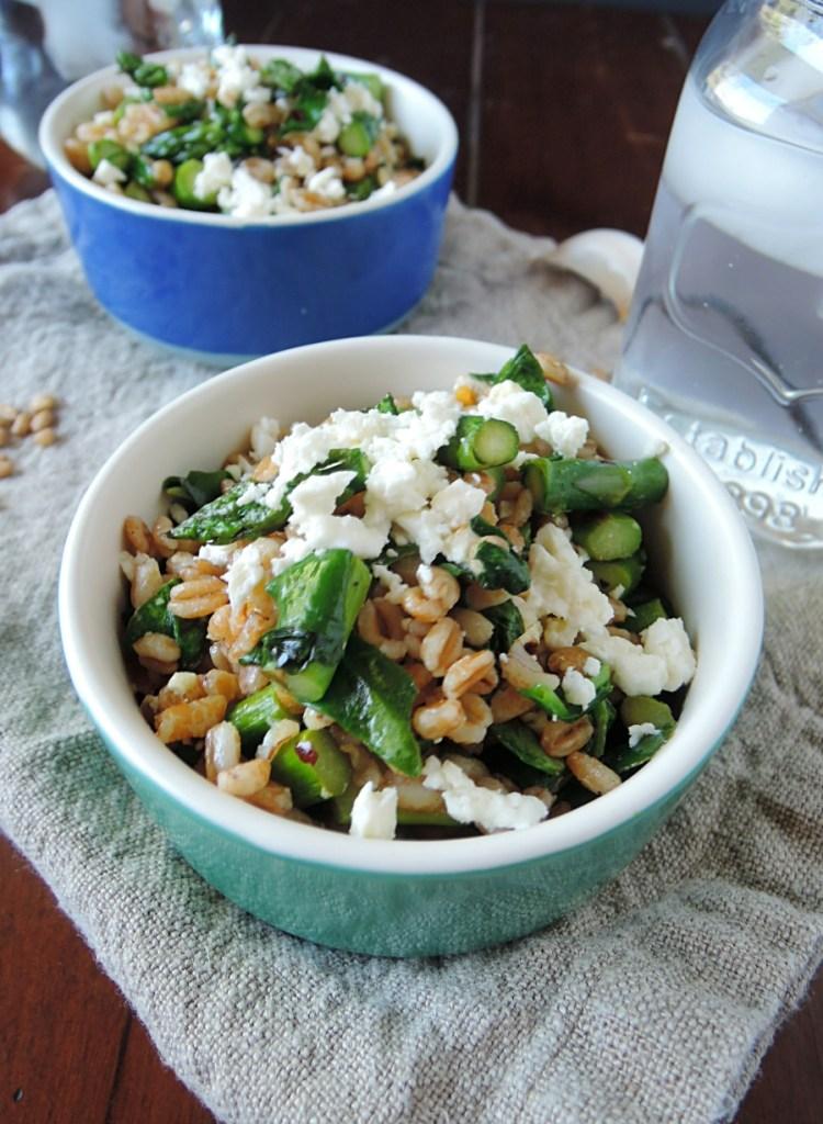 spring asparagus feta farro salad.2