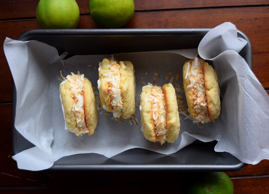 lime coconut ice cream cookie sandwich.1
