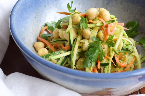 zucchini and carrot noodles with avocado sauce.4