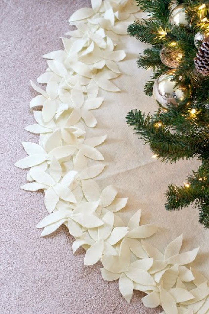 Live Love DIY Tree Skirt Sewing Tutorial